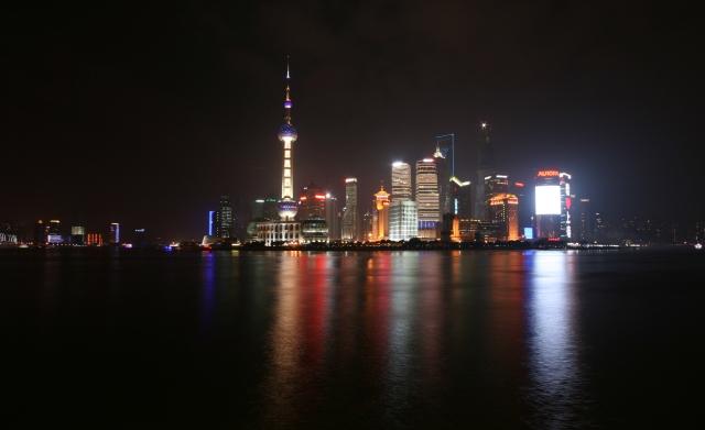 night-skyline-bund-shanghai-china